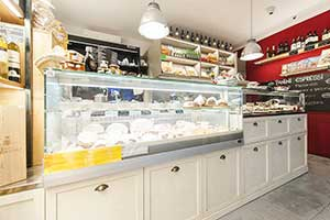 Refrigerated food furniture Wines Salami Hams Cheeses IL BOCCONCINO