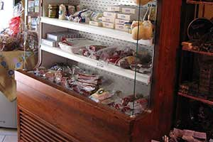 Refrigerated food furniture Wines Salami Hams Cheeses