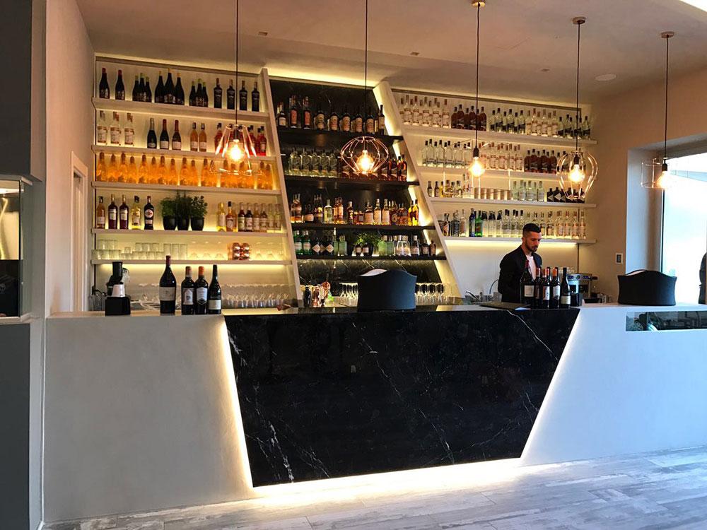 Arredo bar palermo latest bar sestito with arredo bar for Arredamento etnico bari