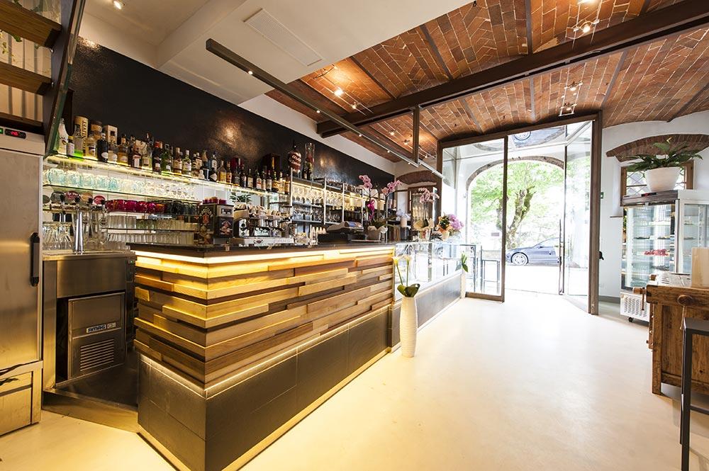 Arredo bar palermo latest bar moderni lo sdrucciolo with for Profili arredamenti