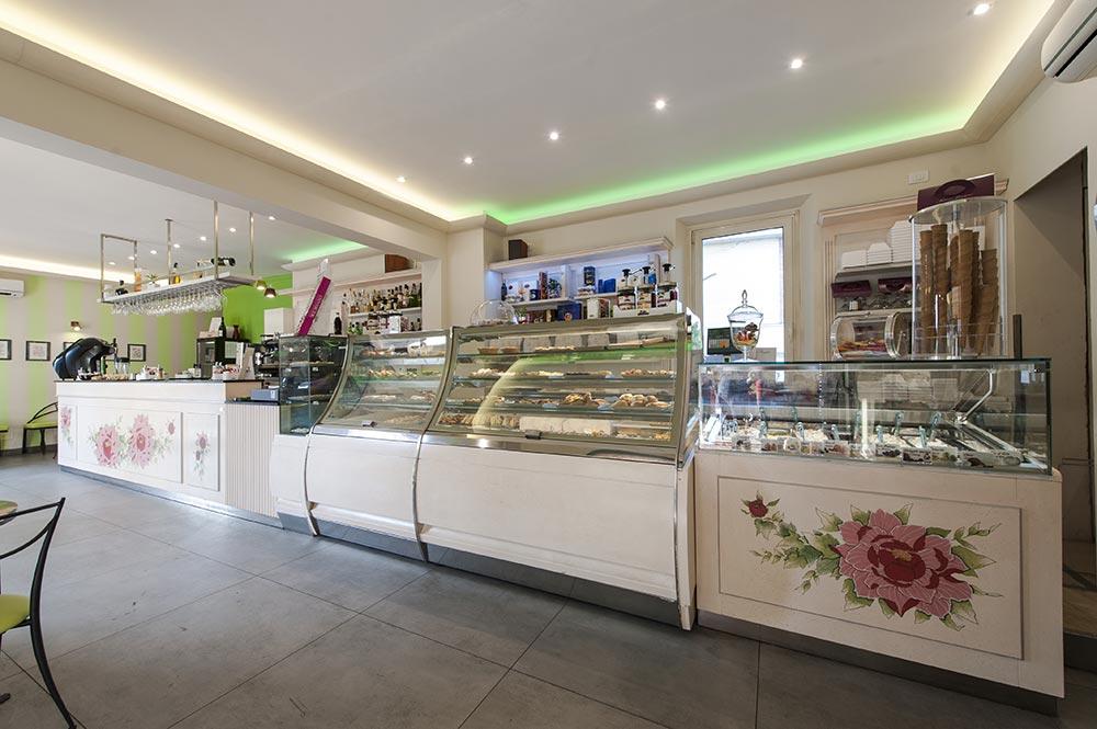 Arredamento bar classico banconi bar omif siena for Arredamenti pub moderni