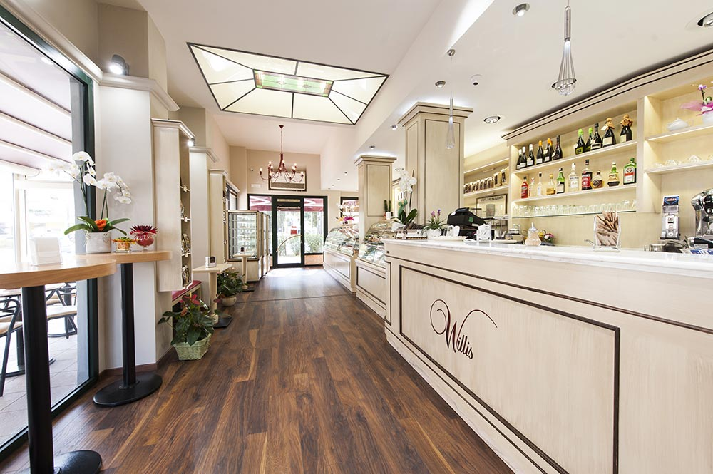 Arredamento bar classico banconi bar omif siena for Arredamenti classici foto