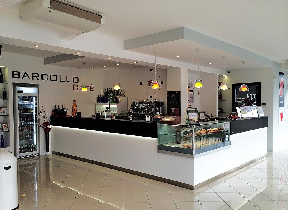 Arredamento bar moderno banconi bar omif siena for Misure arredamenti interni