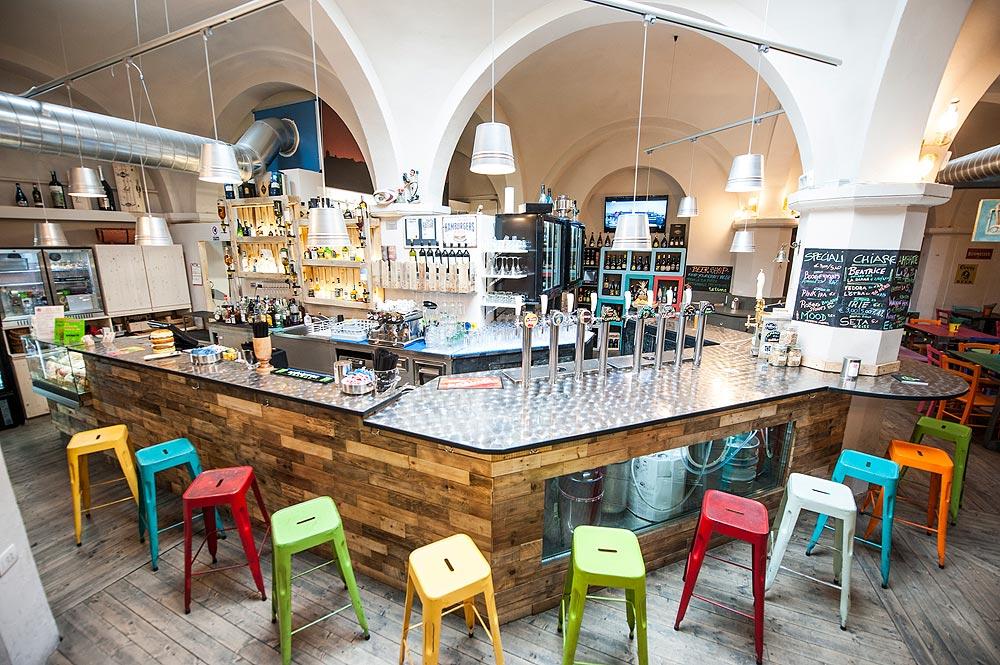Arredamento bar moderno banconi bar omif siena for Arredamento per pub e birrerie