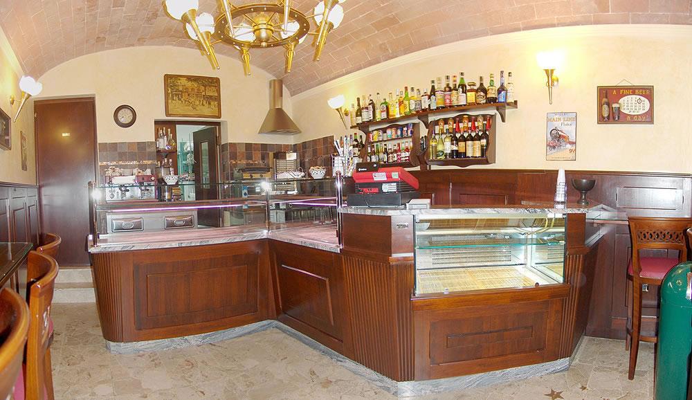 Classic bar furniture omif siena giannini for Emporium arredamenti