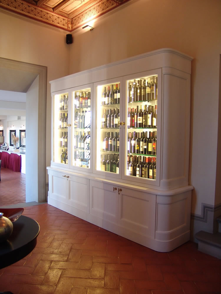 Arredamento bar classico banconi bar omif siena for Arredamento angolo bar